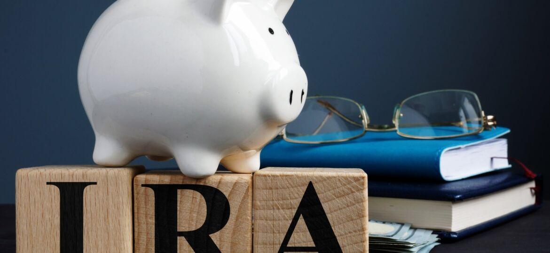 ira-and-piggy-bank